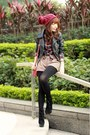 Black-boots-maroon-beanie-hat-black-sheinside-jacket