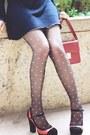Black-pink-hearts-stockings-navy-dress-maroon-h-m-bag-black-heels