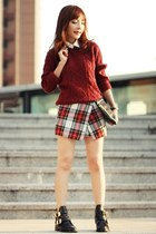 ruby red cable knit H&M sweater - black Choies boots - black studded clutch bag