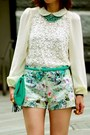 Turquoise-blue-clutch-h-m-bag-aquamarine-floral-prints-zara-shorts