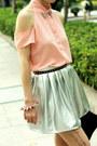 Black-lace-up-boots-black-gold-studs-bag-salmon-lulus-blouse