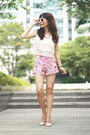 Hot-pink-floral-print-sheinside-shorts-white-zara-sunglasses
