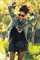 blue shirt - black bag - dark brown round H&M sunglasses - black H&M t-shirt