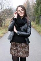 black H&M sweater - bronze new look skirt