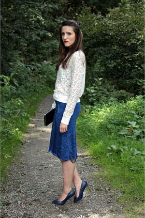 white blouse - navy skirt