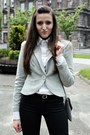 Heather-gray-caterina-blazer-white-second-hand-shirt-black-bershka-pants