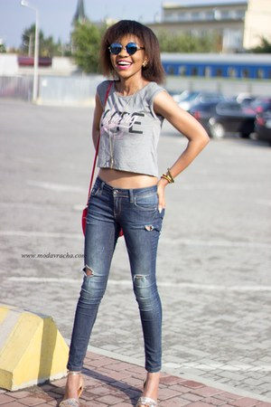 distressed jeans - gray crop New Yorker top - new look sandals