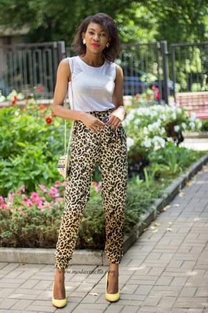gold embellished River Island bag - brown animal print Zara pants