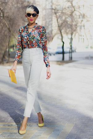 mom jeans - floral print Sheinside shirt - yellow suede Zara heels