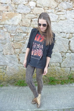 gray Pull &amp; Bear t-shirt
