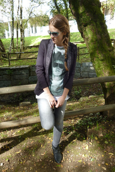 Stradivarius blazer - BLANCO jeans - firmoo sunglasses - Zara t-shirt
