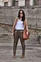 Botines boots - biker jacket - Camisa shirt - pantalones de lentejuelas pants