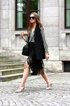 black Furla bag - black Zara skirt - black Mango vest - tan Valentino pumps