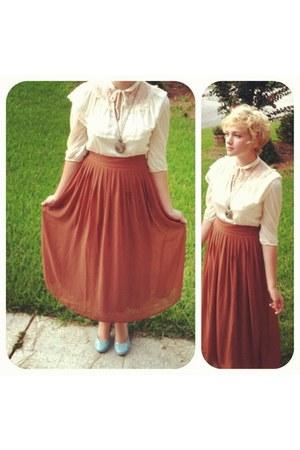 cream vintage dress - blue modcloth heels - chestnut maxi Forever 21 skirt