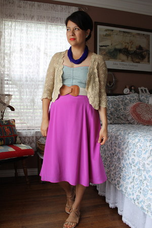 hot pink JCrew skirt - blue vintage necklace - sky blue American Eagle top