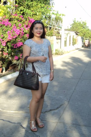 brown bag - white shirt - white shorts - beige wedges - silver necklace