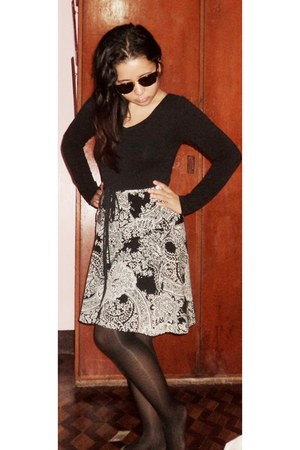 skirt - tights - sunglasses - top