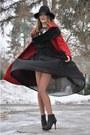 Red-oasis-coat