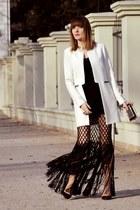 black H&M Trend skirt - white reserved jacket