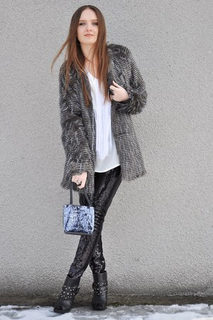 charcoal gray Stradivarius coat