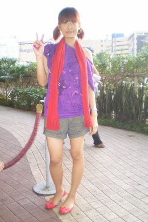 red moimoini scarf - brown shorts - shoes - red jellyshoes shoes - purple blouse