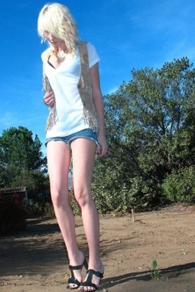 vest - t-shirt - shorts - shorts