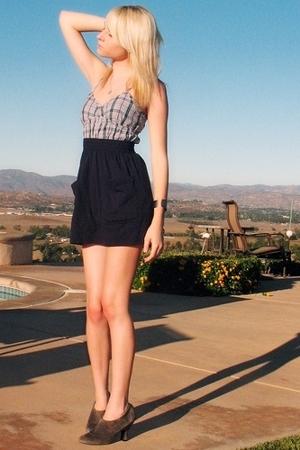 blue navy American Apparel skirt - gray suede heels me too shoes