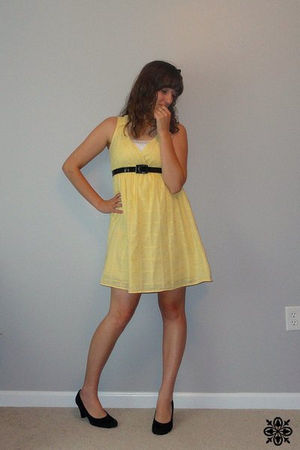 yellow kohls dress - black shoes - black thirfted belt - black