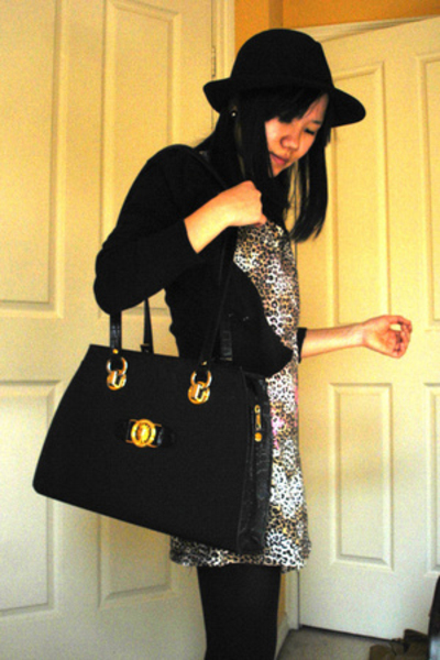 maneboutique shirt - g2000 sweater - Zag hat - vintage purse