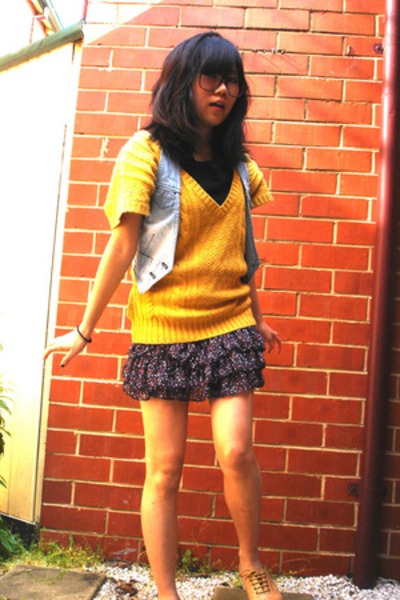Quick Brown Fox top - Forever New top - skirt - Windsor Smith shoes
