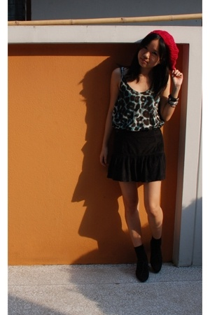 Forever21 hat - HAAS skirt - Zara boots