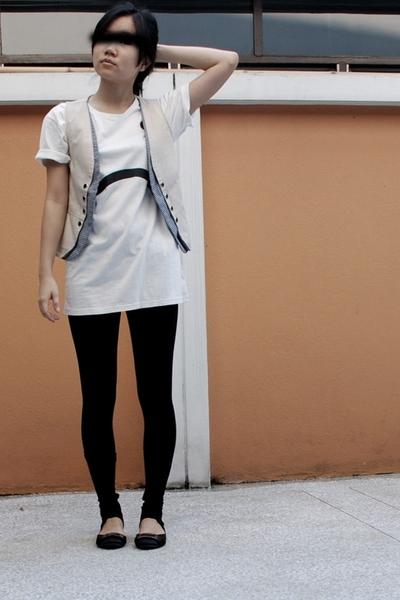 vest - Nooz leggings - Maxima shoes