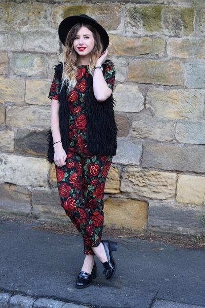 ruby red AX Paris top - ruby red AX Paris pants - black H&M vest