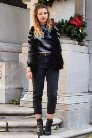 black Topshop top - dark gray Topshop jeans - black H&M vest