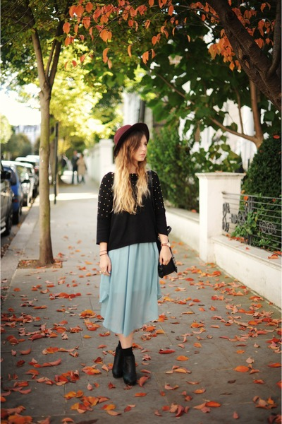Batoko skirt - H&M hat - Oasis jumper
