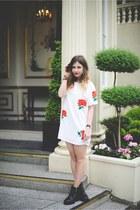 white Missguided dress - black H&M boots - black Daniel Wellington watch