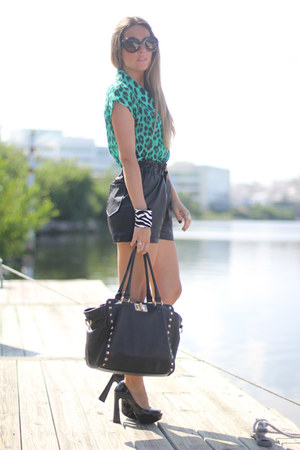 leopard romwe blouse - peep toe c&a shoes - Aldo bag - leather romwe shorts