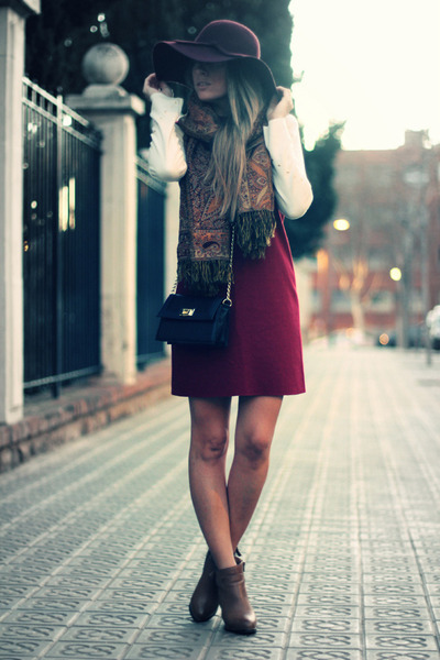 burgundy Mentirosas by Fernando Claro dress
