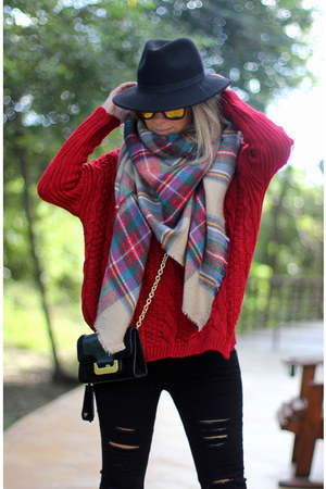 tartan Zara scarf - winter hat Bershka hat - ripped Stradivarius pants