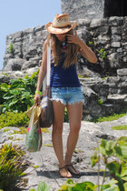 Lovelix necklace - Zara shorts - Claires sunglasses