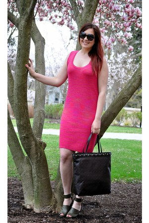hot pink Missoni dress - black Gucci purse