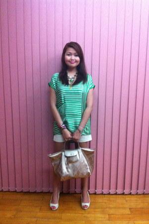 off white Zara shorts - chartreuse Hermes scarf - gold rosegold lm longchamp bag