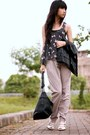 Black-zara-vest-dark-gray-yuan-boutique-top-beige-yuan-boutique-pants