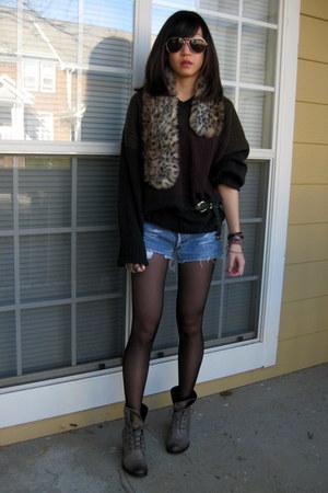 Nicole boots - Levis shorts