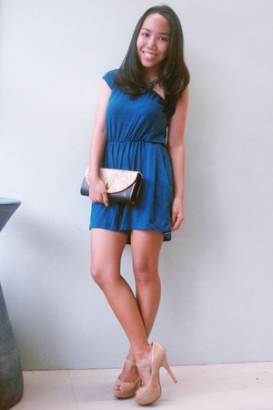 teal one-shoulder romper - black snakeskin bag - nude Forever 21 heels