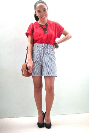 red shirt - tawny bag - navy high waisted shorts - leopard print accessories