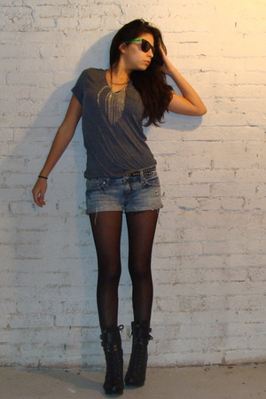 black f21 boots - black tights - blue American Eagle shorts - gray f21 t-shirt -