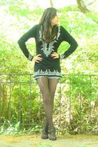 black beaded tunic top - blue denim shorts - black studded  f21 shoes