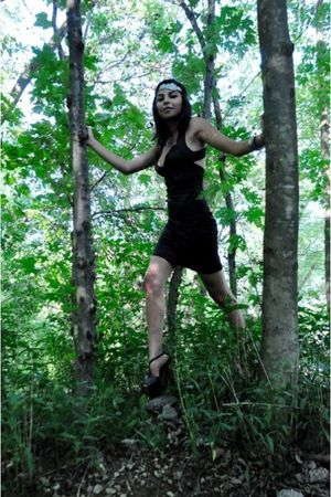 black XOXO dress