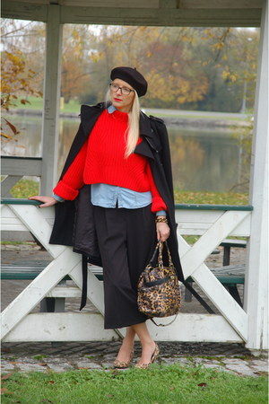 black military Mint & Berry coat - black beret H&M hat - red cropped H&M sweater